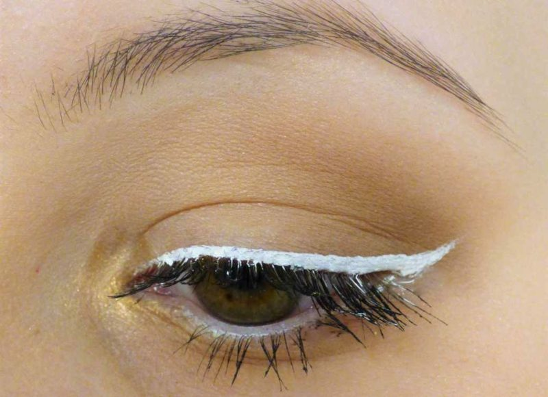 Schminktipps Augen Sommer Trends Eyeliner farbig weiss