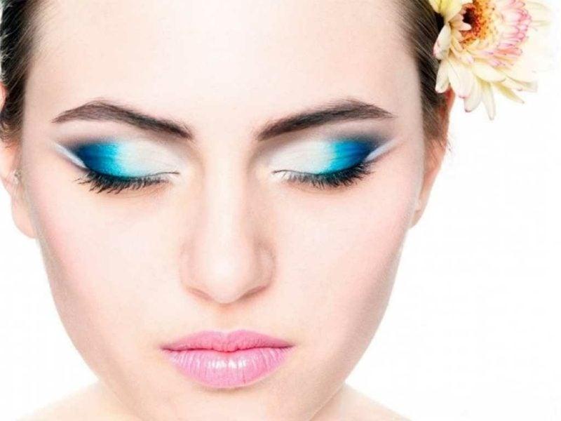 geshminkte Augen Lidschatten ineinander fliessende Farben