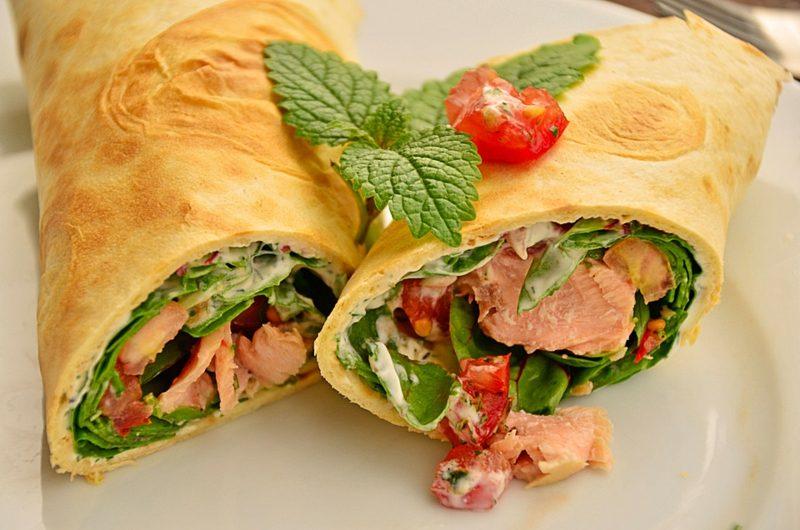 Tortilla Rezept Wraps Lachs und frischer Salat