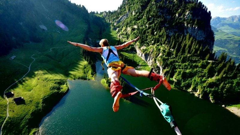 Vatertag 2017 Erlebnisgeschenk Bungee-Jumping originelle Ideen