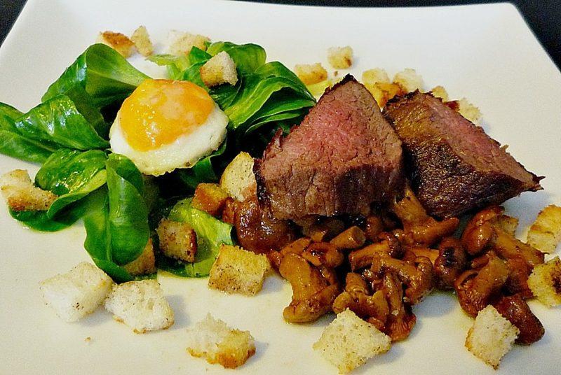 Wachteleier kochen Rezept Salat Rindersteak