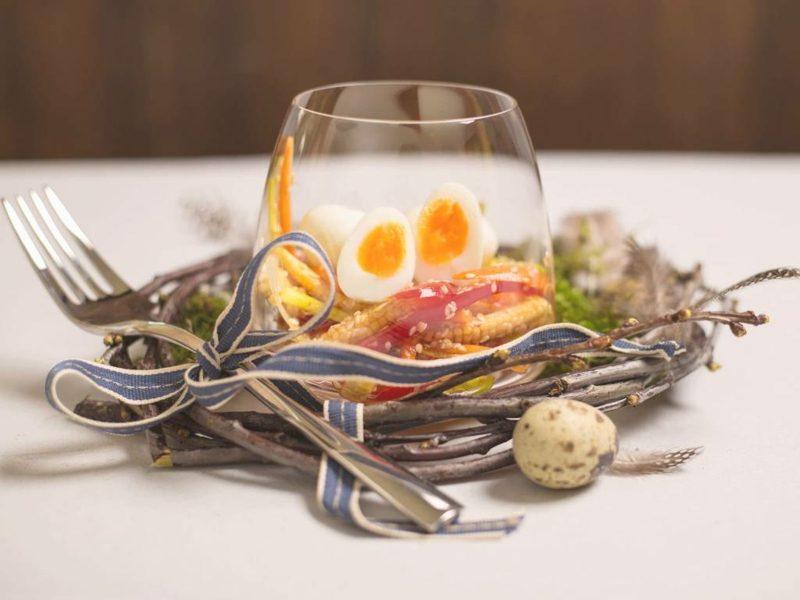 Wachteleier kochen im Glas servieren