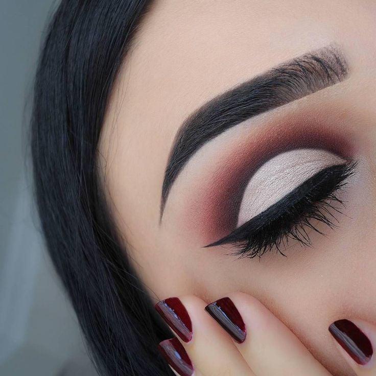 Perfekte Augenbrauen Formen