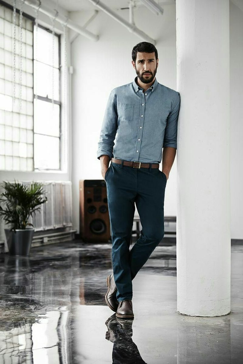Mann Business Casual Outfit Hemd und Jeans