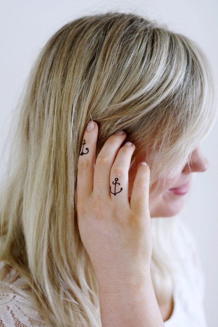 Finger Tattoo Anker