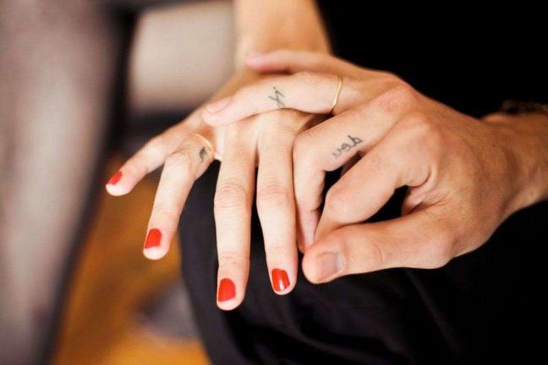 Der Neuste Schrei Finger Tattoo 65 Tattoo Motive Zum Verlieben