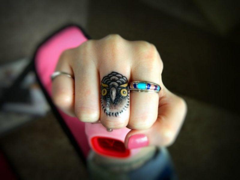 Finger Tattoo kreativ Design