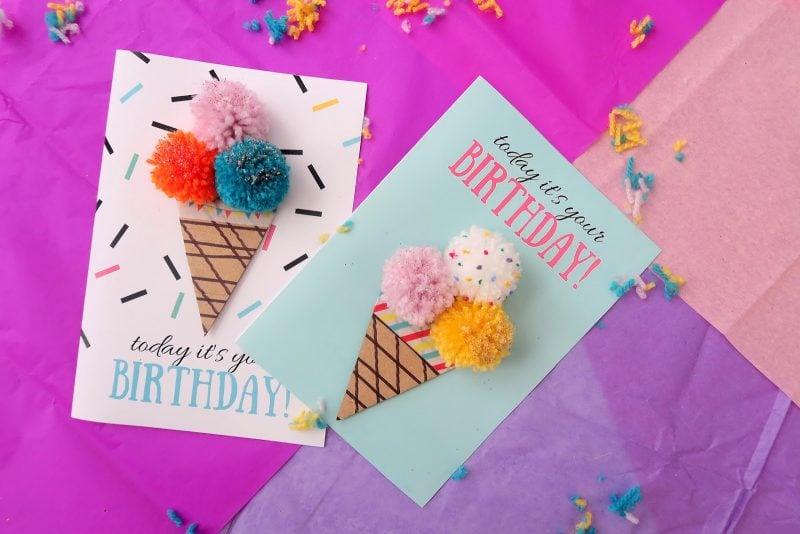 Eine Anleitung für diese, die gerne nähen - Geburtstagskarten basteln mit Pom Poms