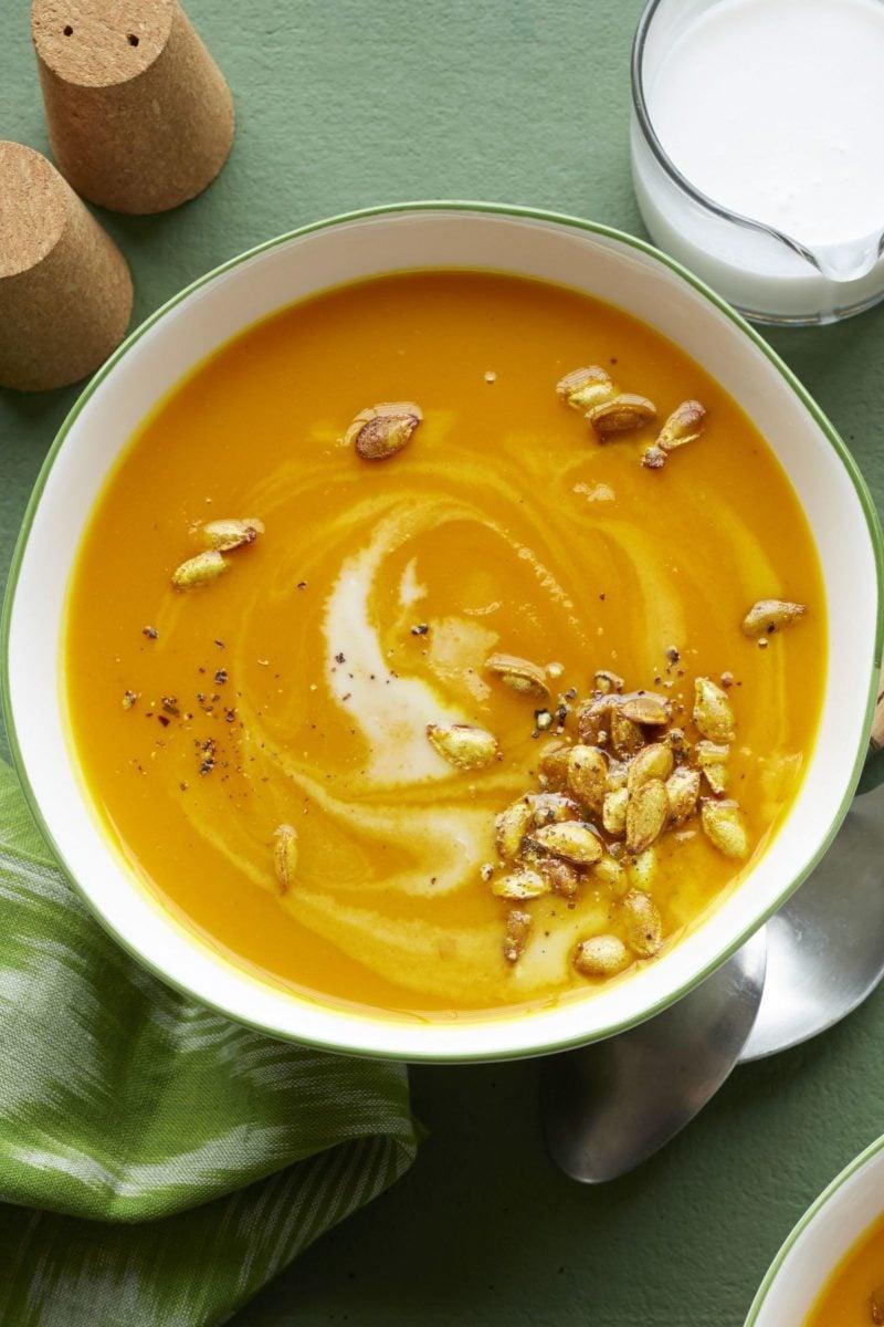 Gesunde Rezepte zum Abnehmen - Suppe zum Mittagessen