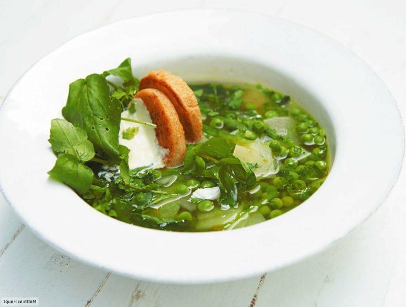 Karfreitag Bedeutung und Rezepte grüne Gemüsesuppe