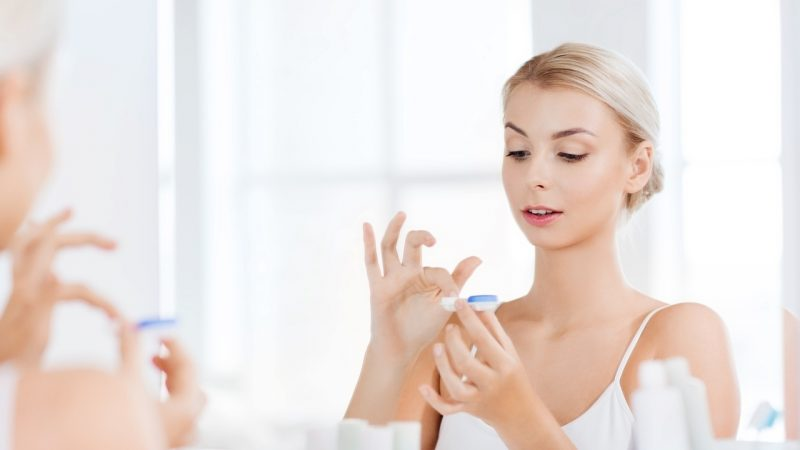 Kontaktlinsen pflegen - Tipps für gesunde Augen
