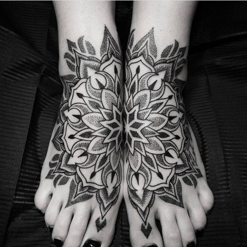 Mandala Tattoos Bein