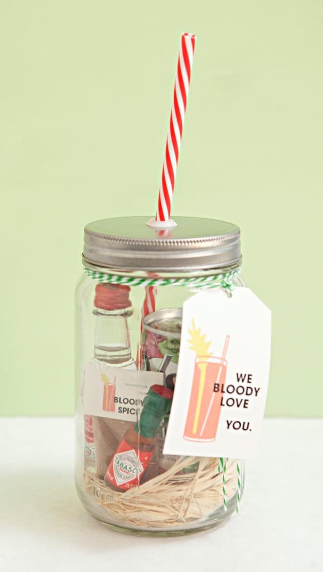 Muttertag Basteln: DIY Muttertag Geschenk Bloody Mary Cocktail im Glas