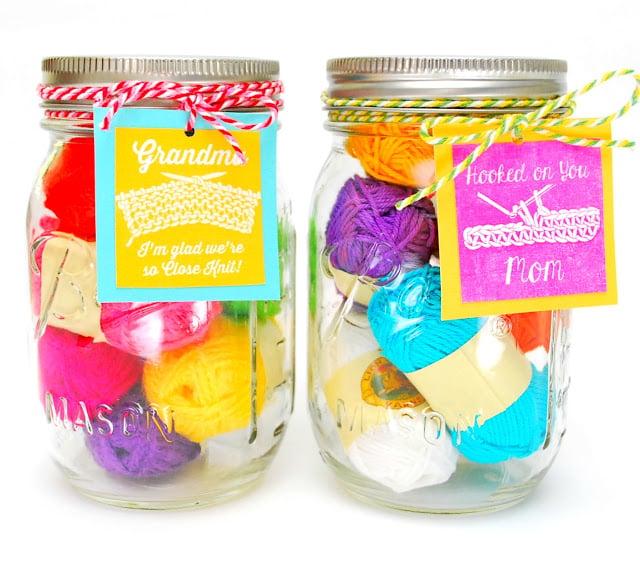 Muttertag basteln - Geschenk für kreative Mutter, die gerne häckeln