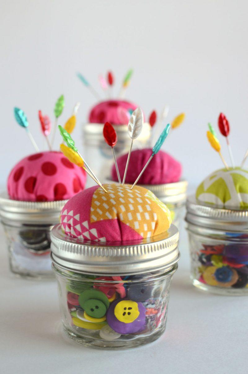 Muttertag Basteln: Geschenk für Mutter, die nähverruckt sind