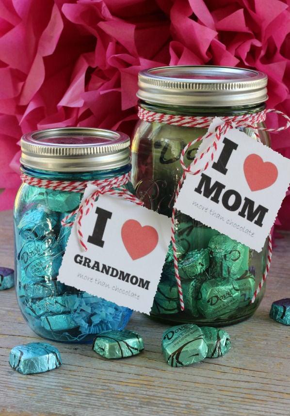 Muttertag basteln: Bonbonenstrauss selber machen