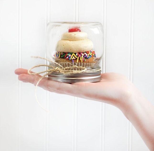 Muttertag basteln: Torte im Glas