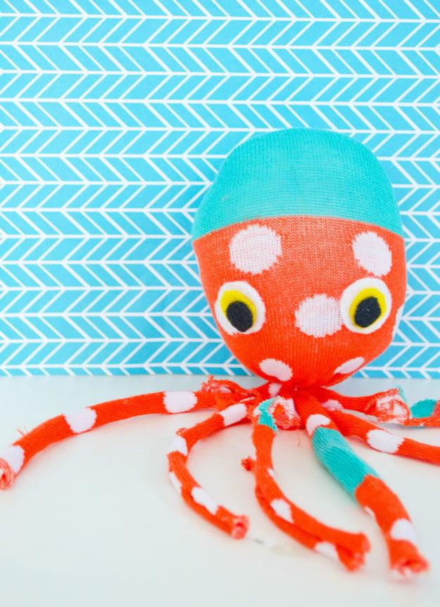 Octopus Plüschtier aus Socken selber machen