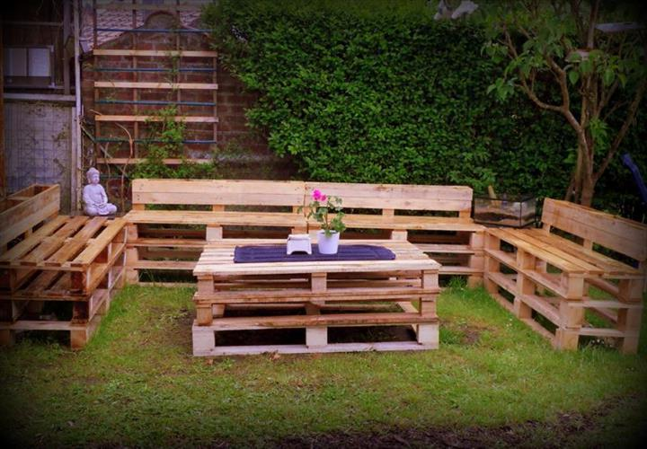 gartenm bel aus paletten gartensessel anleitung und 65 weitere inspirationen diy garten. Black Bedroom Furniture Sets. Home Design Ideas