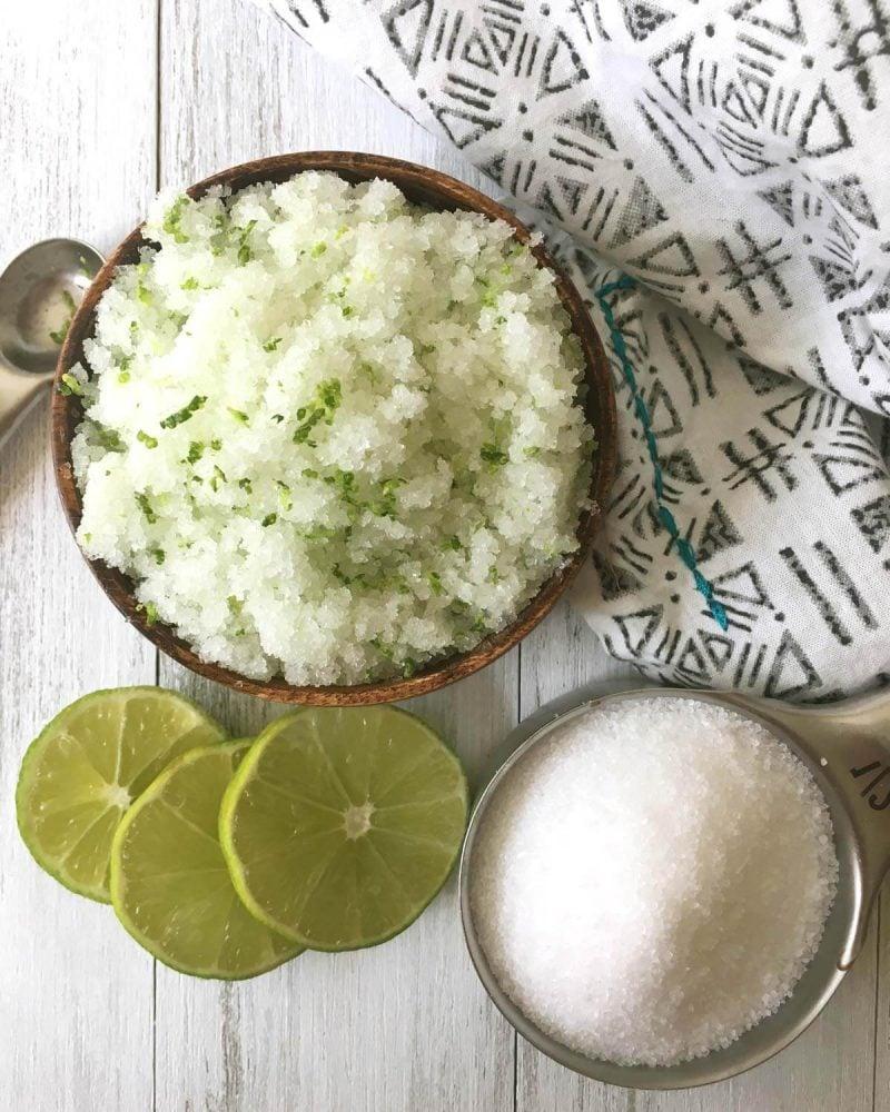 Peeling selber machen mit Lime und Zucker