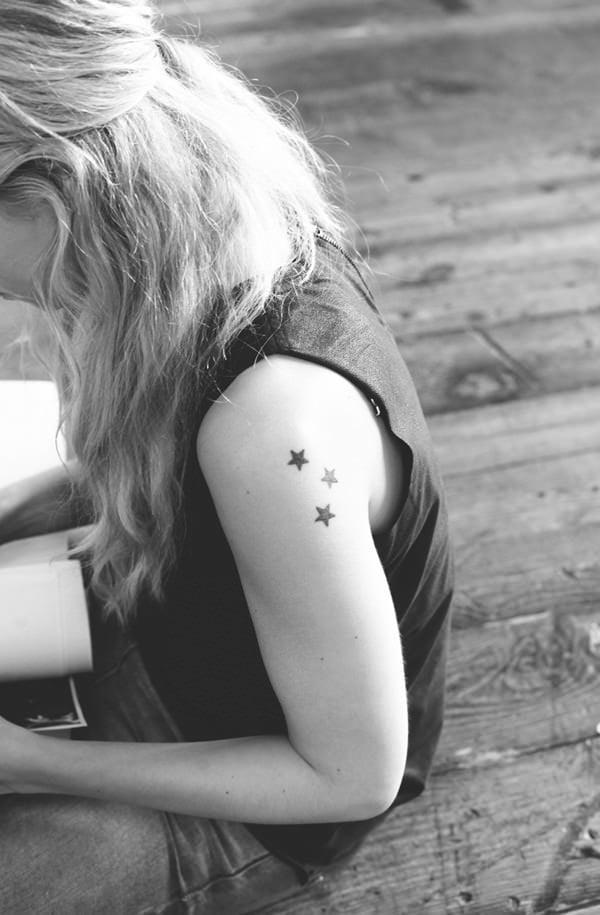 stern tattoos männer tattoos frauen stern tattoo bedeutung coole tattoo ideen