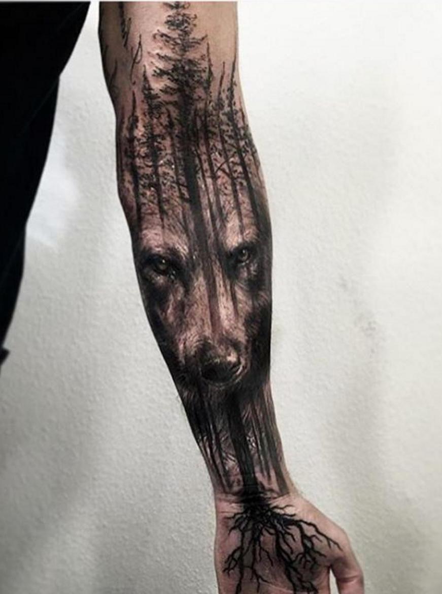 Тату волк в лесу фото и