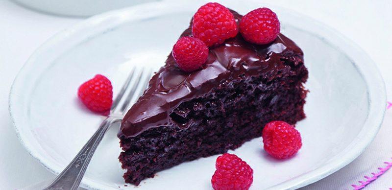 Ob zart schmelzende Schokolade, Trüffel mit leckerer Cremefüllung oder von Hand gemachte Pralinen – vegane Süßigkeiten erobern jedes Herz