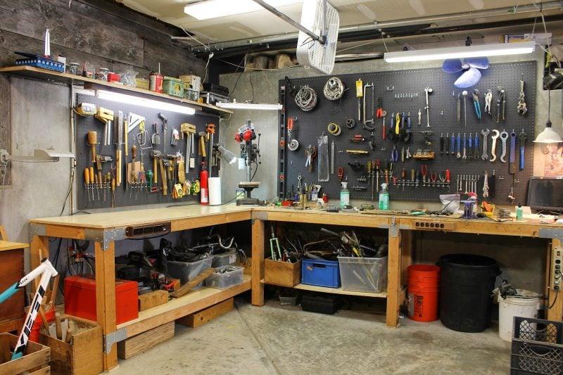 Werkzeugwand - praktische und schöne Lösung wenn Sie Werkbank selber bauen