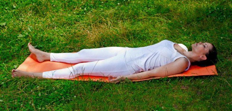 flacher Bauch für zwei Wochenmit Yoga