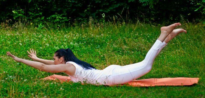 Bauchfett loswerden Yoga machen