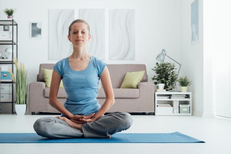 Fantastisch Fesselnd Das Wohnzimmer Als Ort Der Erholung Kann Auch Zum Meditieren  Genutzt Werden. Besser Ist