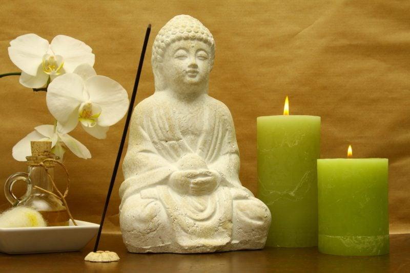 ein ort der inneren ruhe einen meditationsraum in den eigenen vier w nden einrichten. Black Bedroom Furniture Sets. Home Design Ideas