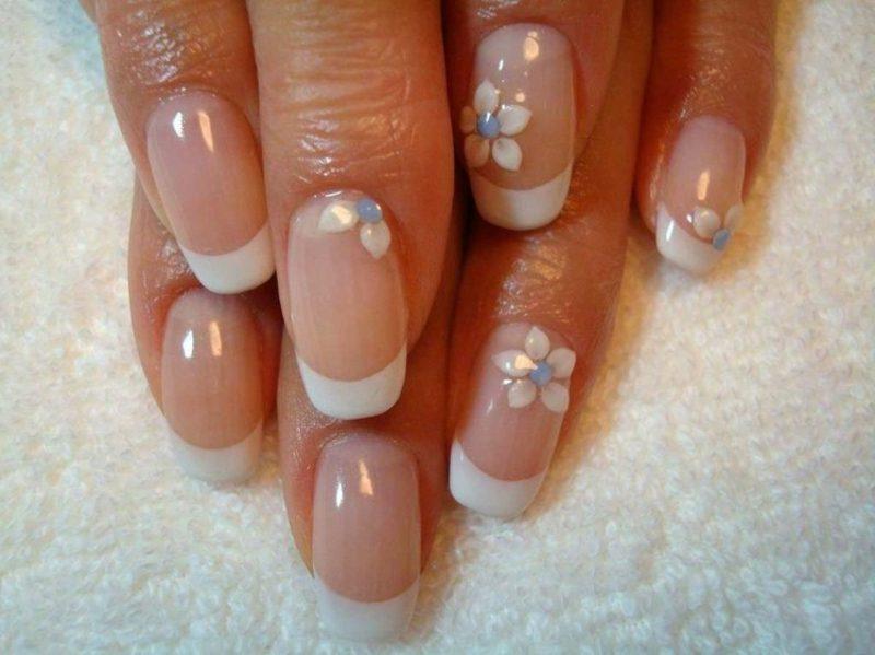 Fingernägel Design Hochzeit schlicht French durchsichtiger Nagellack Blumen
