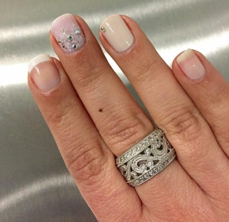 Nageldesign Hochzeit originelle Idee kurze Fingernägel