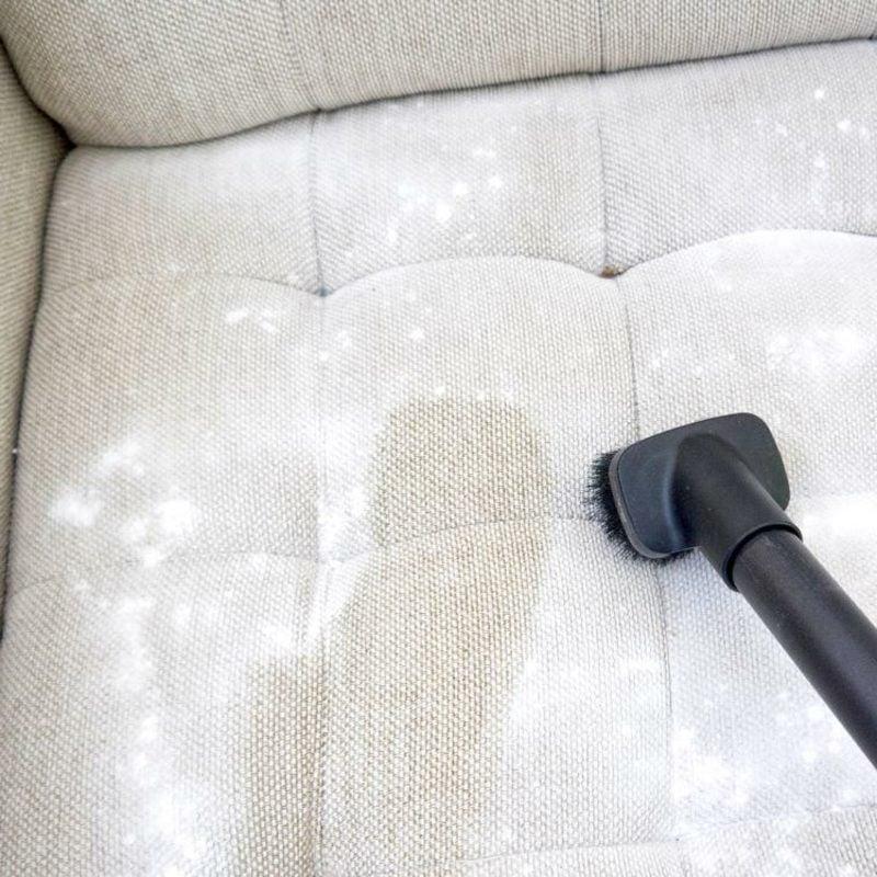 alte Fettflecken entfernen Polsterung Sofa