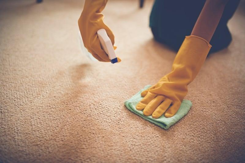 fettflecken entfernen tipps und tricks die jede hausfrau wissen sollte. Black Bedroom Furniture Sets. Home Design Ideas