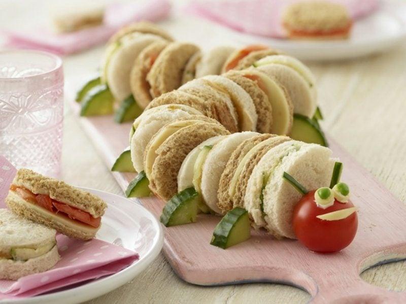 Kindergeburtstag Essen Raupe aus Sandwiches