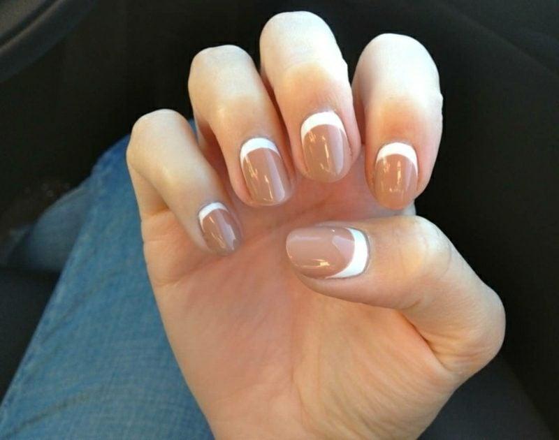 French Nails umgedreht Nudebraun Nagelschablonen