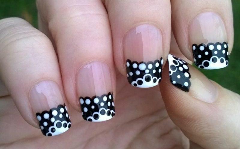 French Nails Muster Nagelspitzen schwarz-weiss Punkten Gellack