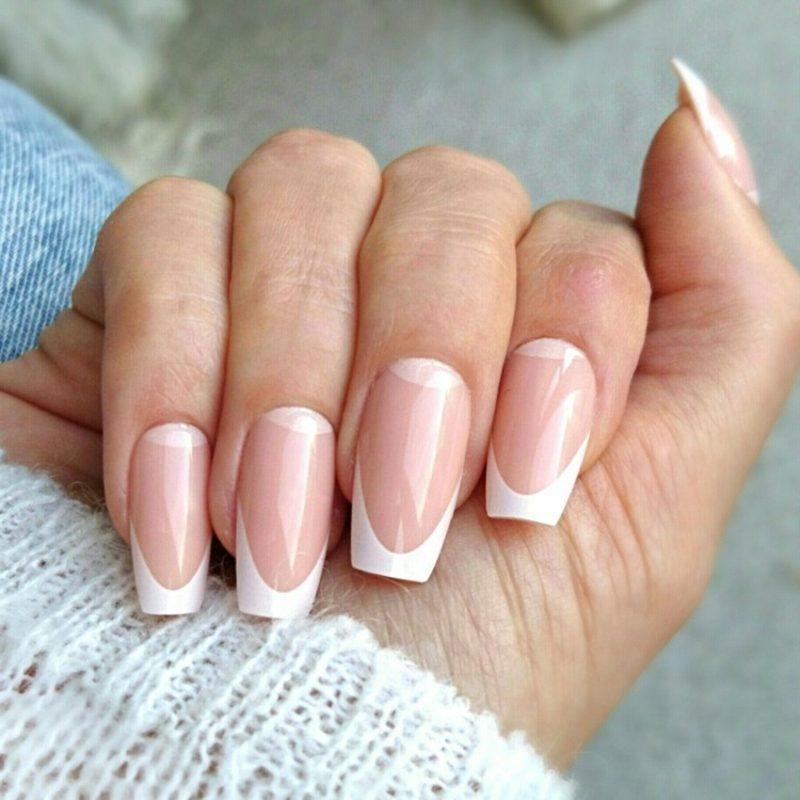 French Nails mit Nagelschablonen selber machen klassisch
