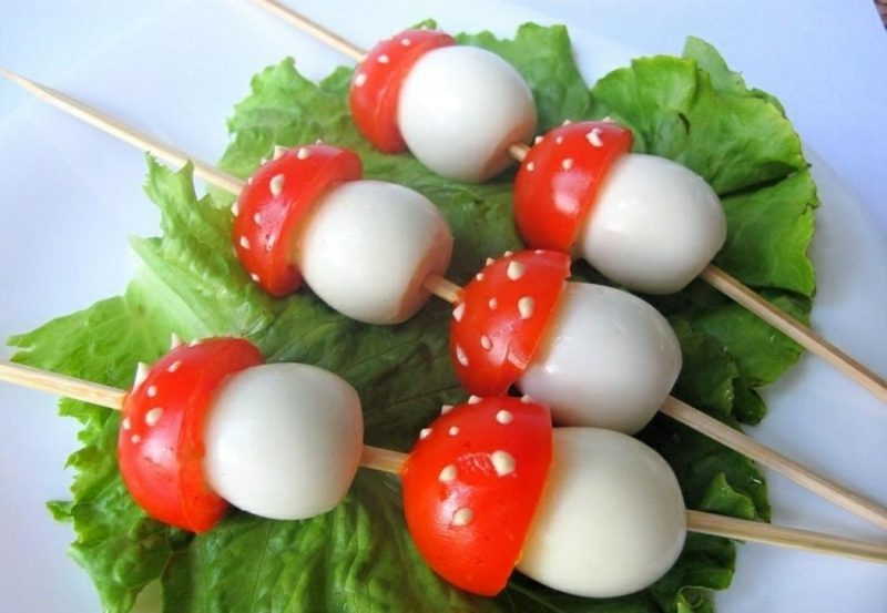 Geburtstag Essen Ideen Pilze aus Tomaten und hartgekochten Eiern