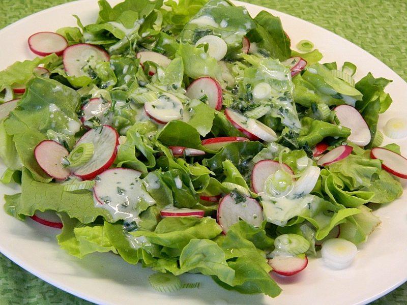 Radieschen Kalorien Kopfsalat mit Schnittlauch