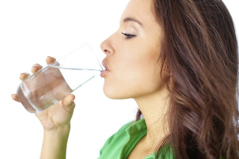 Leinsamen gesund abnehmen viel Wasser trinken