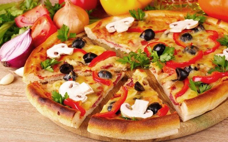 "Pizza ""Margherita"" vegan & glutenfrei"
