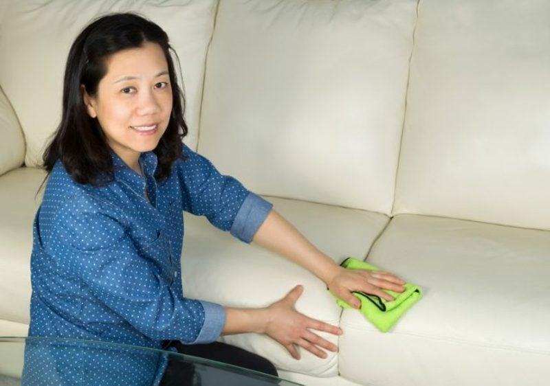 Polsterung reinigen Flecken entfernen