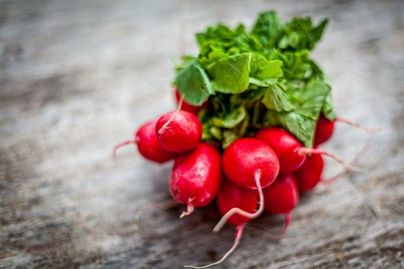 Radieschen gesund 3 Rezepte für frische Salaten