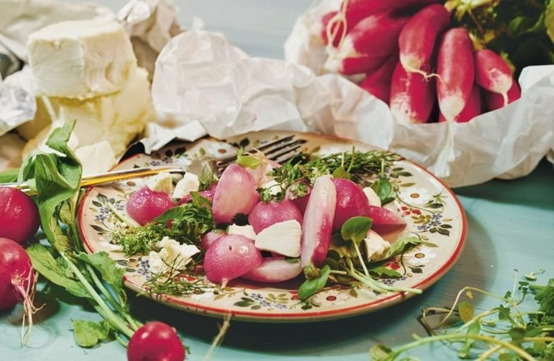 Radieschen Kalorien frischer Salat zubereiten rezepte