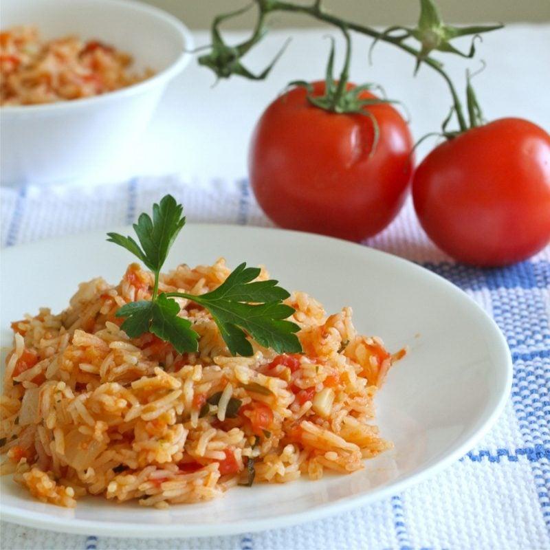 Rezepte mit Reis mexikanisches Reisgericht mit Tomaten und Zwiebeln