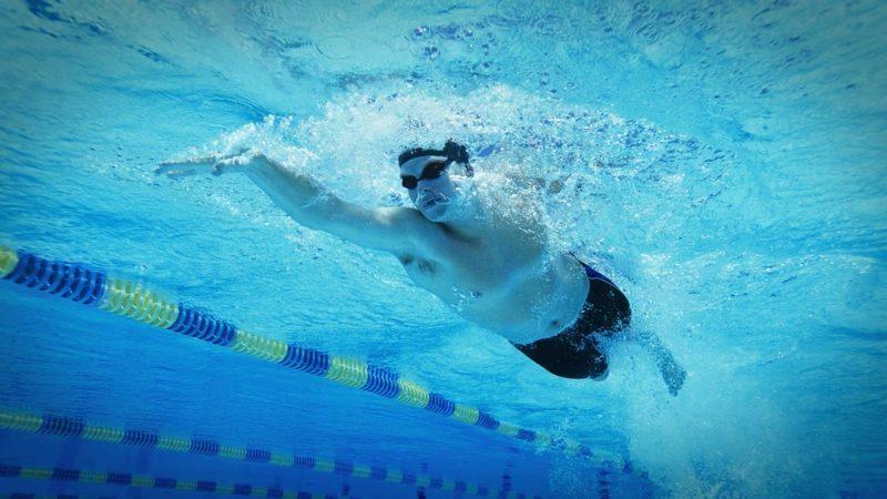kalorienverbrauch beim Schwimmen abnehmen