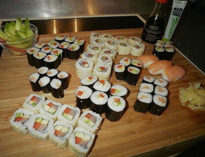 Rezepte mit Reis Sushi Rollen zubereiten